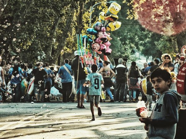 Afternoon autumn parade (Tarde de Corso otoñal). EyeEm Best Shots Showcase April Capture The Moment Street Photography Taking Photos EyeEm EyeEm Awards 2016 Up Close Street Photography Fujifilm Photography Eye4photography  Photo The Portraitist - 2016 EyeEm AwardsStreetphotography Parade Autumn Light And Shadow Close Up Street Photography Showing Imperfection Telling Stories Differently My Favorite Photo Lifestyles The Great Outdoors - 2016 EyeEm Awards The Street Photographer - 2016 EyeEm Awards City Life