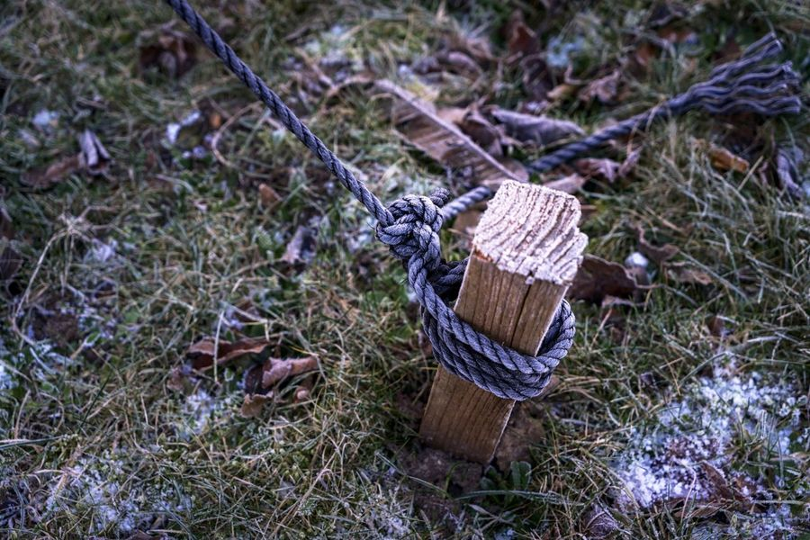 Day Knot No People Outdoors Rope Safe Knot Secure Knot Security Tight Fixation Snow Snow ❄ Fixing The EyeEm Collection Getty Images Premium Collection