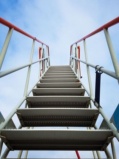 Picoftheday Photooftheday Skylovers Pictureoftheday Blue Sky Lookingup Staircase Stairs_collection Stairway To Heaven Industry Steps And Staircases Staircase Business Finance And Industry Steps Sky