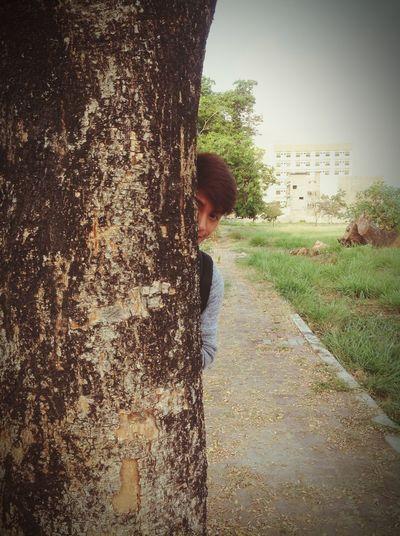 Hide And Seek Hiding Love EyeEm Nature Lover Nature Getting Around Smile Hello World