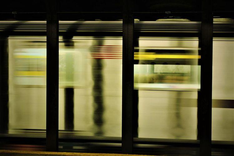 Metro Metro New-yorkais New York New York Subway Public Transportation Rail Transportation Railroad Station Speed Subway Subway Train Train - Vehicle Vitesse