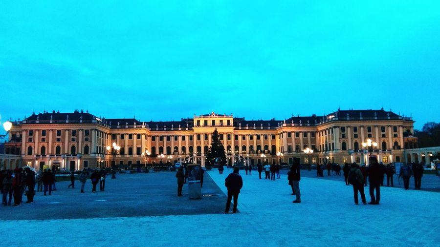 Shönbrunn Vienna Winter Evening Sightseeing History Park People Beautiful Architecture Old House Imperial Palace Culture Walkway Long Day