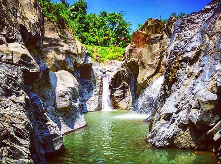 Paradise 😂😂😂 Curug Penganten. Bumijawa. Insta_ngapak Instabrebes Instagood Waterfall Curug INDONESIA Tegal