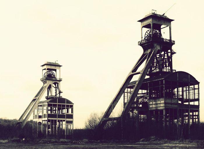 Pithead Coal Mine Hoist Lift Cage Snapseed Filter