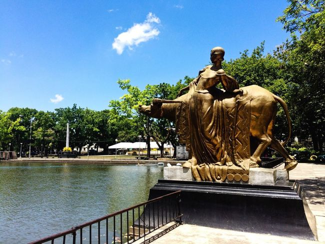beautiful Bacolod Traveling Statue Lagoon Philippines