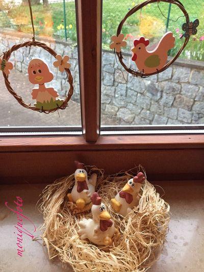 auch wenn heute die Sonne nicht scheint, ich wünsche euch schöne Osterfeiertage. 💕💗 Monique52 Ostern 2017 Fensterdekoration Putzig Hühner Eiei Window Home Interior Indoors