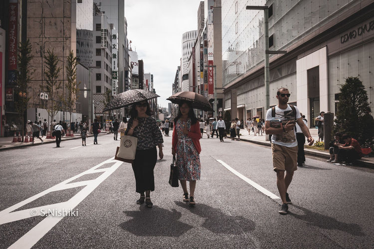 Ginza Street Snap Japan Japanese  Japanese Food Life Architecture Built Structure Ginza Street Streetphotography