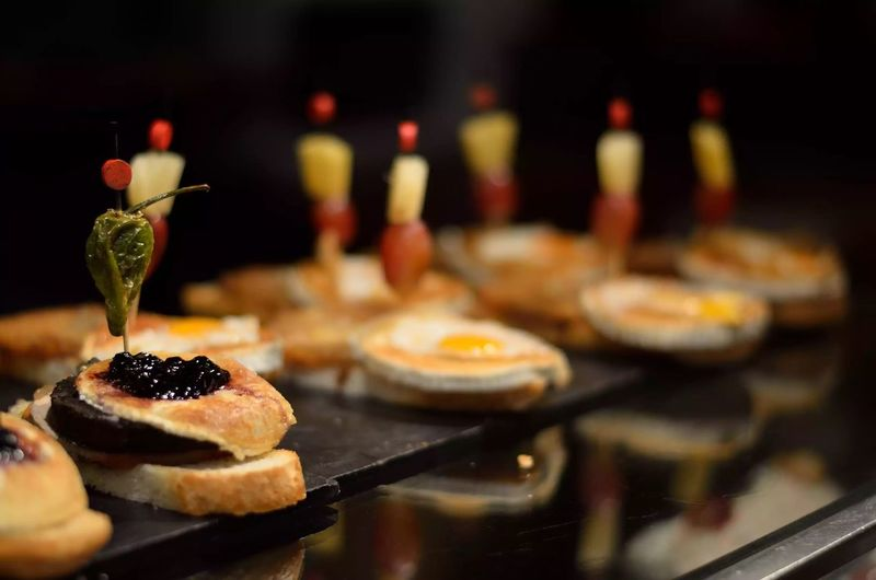 Pinchos Tapas Bares Tapeo Tapeando SPAIN Valladolid Pintxos Eating Comer Hambre Hungry
