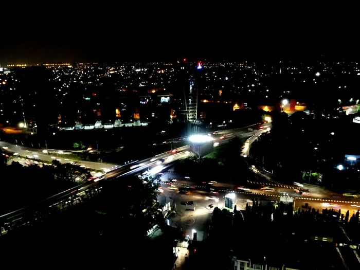 Urbanphotography Urban Landscape Night View Lighting Darkandlight Tangerang, Indonesia Hotel View GreatwesternHotel Carlight Roadscenes