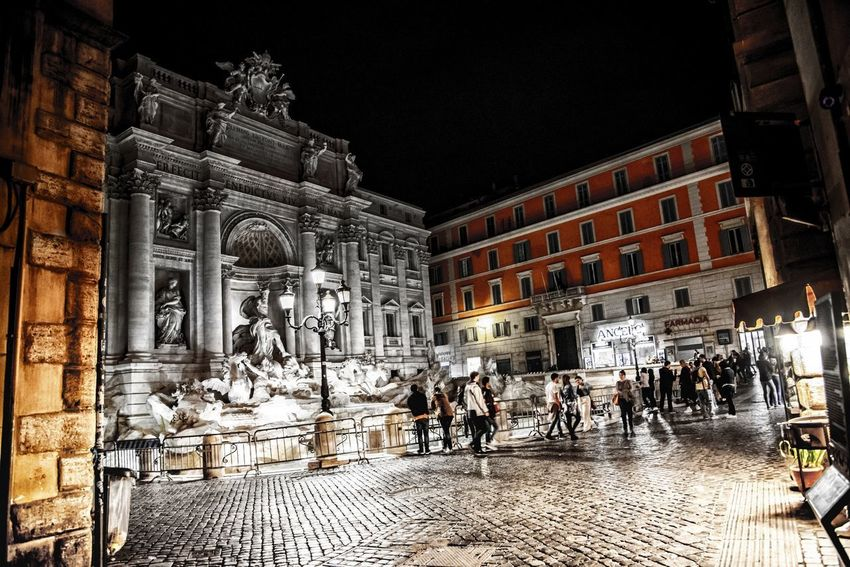 4am Fontana Di Trevi Rome Turismo Architecture Art And Craft Building Building Exterior Built Structure City Crowd Group Of People History Illuminated Large Group Of People Lifestyles Men Night Outdoors Real People Representation Street The Past Women