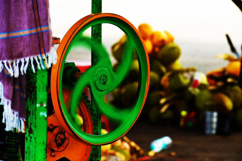 Working Hard Close-up Day Focus On Foreground Green Color Multi Colored No People Outdoors Sugarcanejuice