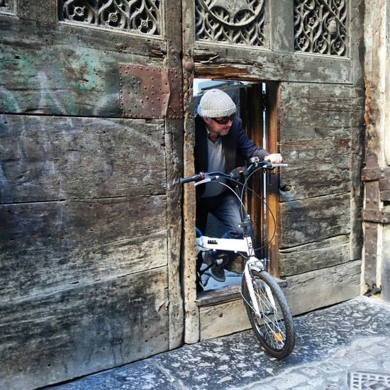 -PEOPLE- at Spaccanapoli Naples Napoliphotoproject Streetphoto Streetphotographer People Random People Naples Is Wonderful Naples, Italy Napoli Street Napoli Italy Napoli ❤ Streetphotography Streetphoto_color Peoplephotography Bicycle Bicyclelife