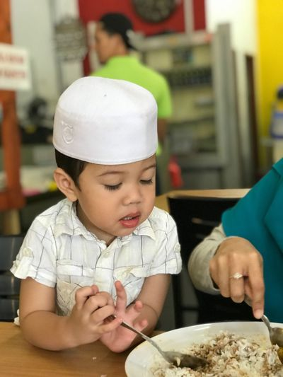 Two People Food Cute Boys Food And Drink Childhood Cap Togetherness Real People Human Hand Day Close-up Nasi Eat Eating Rice Lifestyles Muslim Kid Muslim Kopiah New Skill Hungry