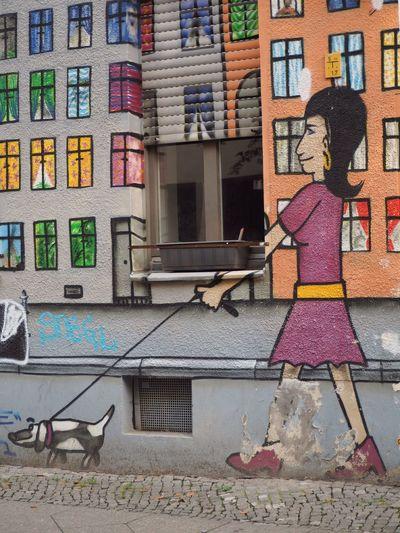 Berlin Berlin Kreativ Kunst Im öffentlichen Raum  Wall Art Graffiti Hund Built Structure Day Real People City