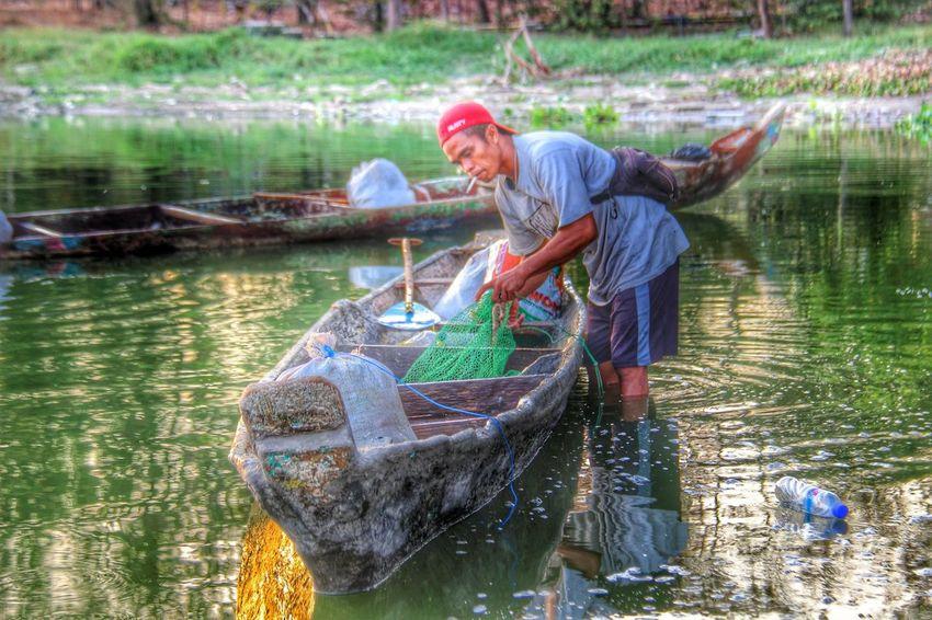 Nelayan mujair Human Interest Ship