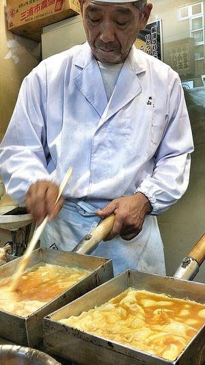 Chef Tamagoyaki Japanese Omelette Delicious Fluffy Rectangular Omelette Pan Tsukiji Tokyo Japan Travel Photography