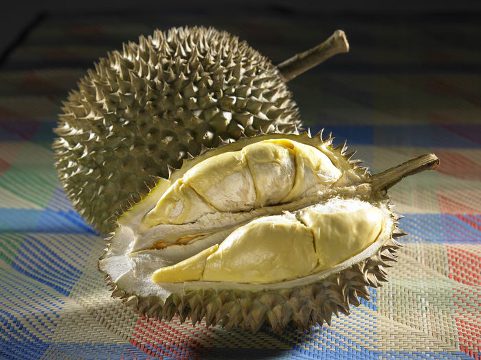 king of fruits durian Durian Prickly Pear Cactus Spiky Asian Fruit Delicious Expensive King Of Fruits Nutrition Ripe Strong Smell Thorn Yellow