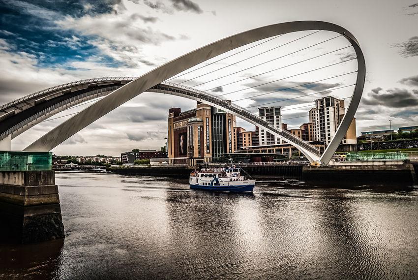 Gateshead Millenium Bridge River Tyne,