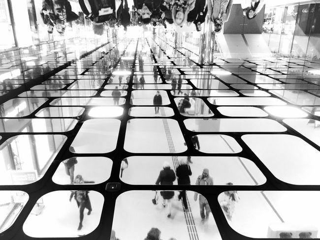 Architectural Feature Architecture Backgrounds Black & White Blackandwhite Bnw City City Life City Life Fresh On Eyeem  Fresh On Eyeem  Reflection Street Streetphoto_bw Streetphotography Up Claudetheen