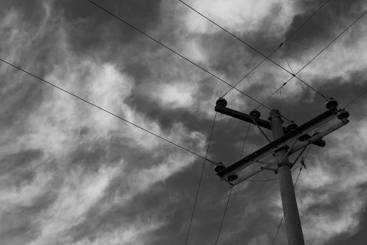 Geo-lines B&w B&w Street Photography Black And White Cable Close Up Geometry Lines Lines And Shapes Low Angle View No People Outdoors Power Line  Sky Sky And Clouds Skyporn Street Streetart Streetphoto_bw Streetphotography Structure