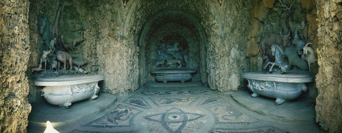 La grotta degli animali Villa Medicea Di Castello Firenze