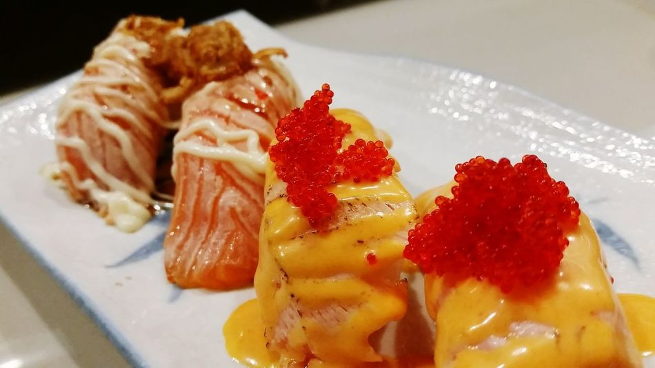 Spicy Grilled Salmon Sushi Grilledsalmon Salmon Sushi Salmonsushi Japanese Food