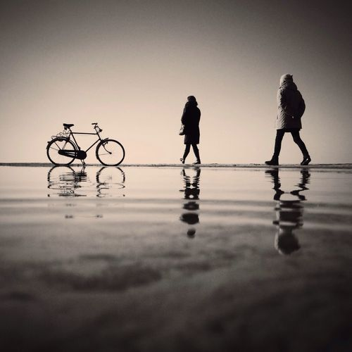 If the scene is not perfect, do what you can to improve it! It's not an accident that I parked my bike there. Bwbeach Silhouette IPSMinimalism