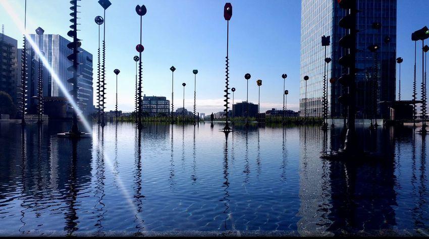 Water Reflection City Architecture Urban Skyline Outdoors France 🇫🇷 Cityscape Sky Capture The Moment Samsung Note 4 œuvre D'art Waterfront City La Défense Arc De Triomphe, Paris No People
