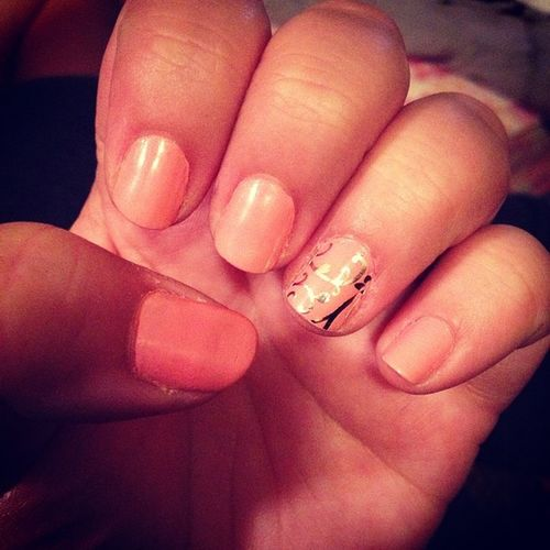 Had to change em up a bit? Peachy Jamberrynails Accentnail Clearfloral love simple