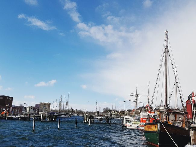 Eckernförde Sunlight Cold Temperature Ostsee Eckernförde Harbour Eckernförde Boote Bunte Boote Schiff Altes Boot Segelschiff Holz Boot Stormy Weather Raue See Water Nautical Vessel Sea Sailing Ship Harbor Bird Beach Moored Sky Mast Sailboat Pier