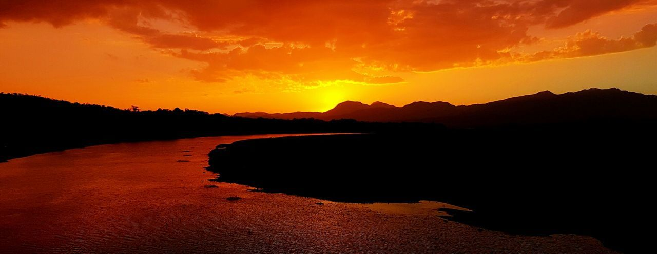 Sunset view from the bridge.. An Eye For Travel River Sunset Landscape Mountain Reflection Nature Beauty In Nature Scenics EyeEmNewHere
