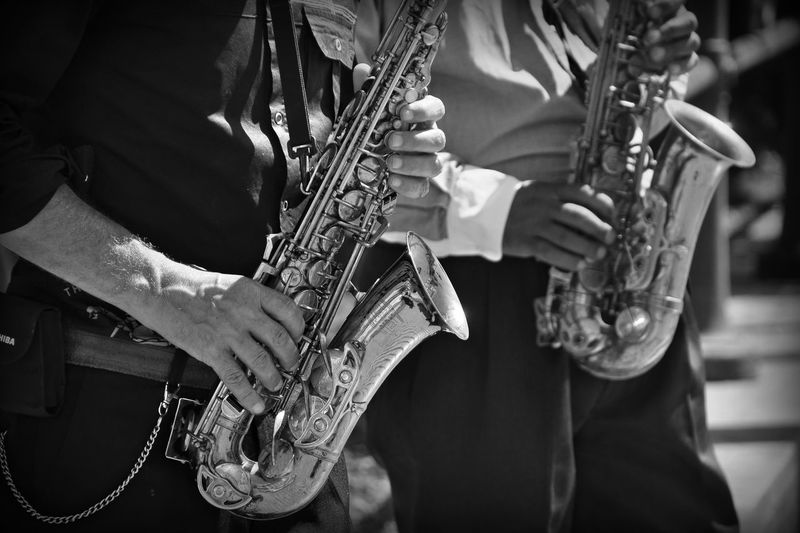 Jazz SaXoPhOnEs Saxophonist Jazz Mucisian Jazz Music Jazz Musicians Jazzman Music Musical Instrument Musical Instruments Musician Outdoors People Playing Saxophone Saxophone Player Street Music Street Musicians