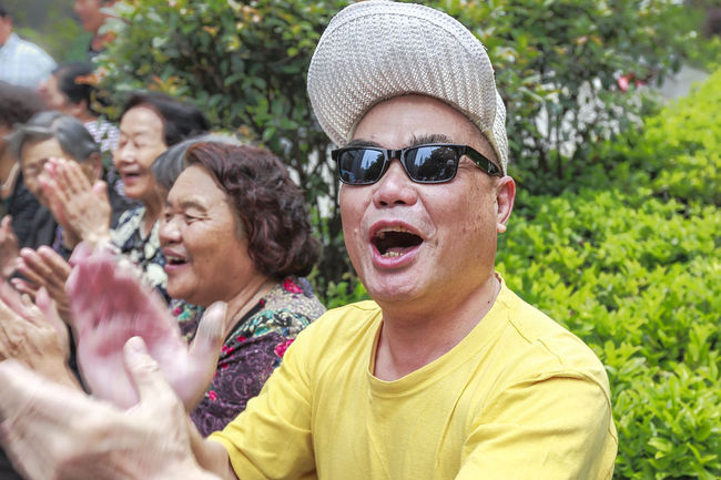 Cheers Cap Casual Clothing Clap Day Focus On Foreground Happiness Happy Hat Headshot Leisure Activity Lifestyles Mid Adult Men My Commute Outdoors Person Portrait Smiling Toothy Smile