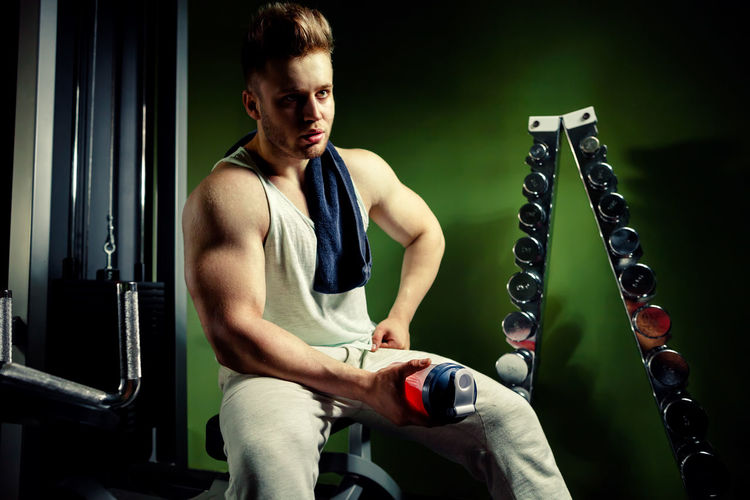 One Person Lifestyles Sport Energy Active Weight Training  Weightlifting Body & Fitness Bodybuilding BodyBuilder Motivation Fitness Males  Caucasian Gym Indoors  Bodybuildingmotivation Acitivity Pumping Muscles Strength Biceps Workout Muscular Build Shaker