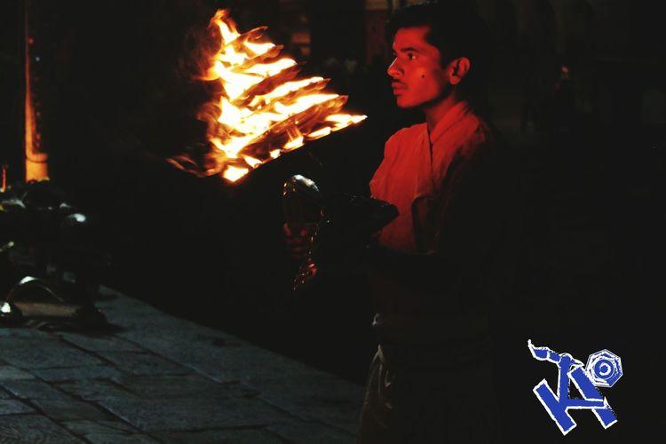 One Man Only Close-up Night Pashupatinath Pashupatiarea Evening Enjoying The View Religious  Belief People Burningflame Fire EyeEm Aarti Kathmandu Nepal Kodorins Close—up
