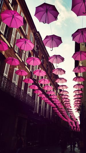 Love Streetart Umbrella Pink