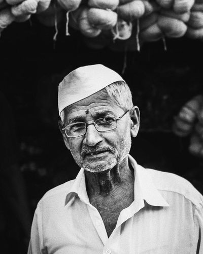 Only Men One Man Only Portrait People Human Face Senior Adult One Senior Man Only Headshot Close-up Oldman Expressions Hardworker EyeEmNewHere Filmphoto Bnw Blackandwhite EyeEm Selects Filmisnotdead Grain Film Photography Streetphotography Streetphoto_bw Culture Of India Street Outdoors