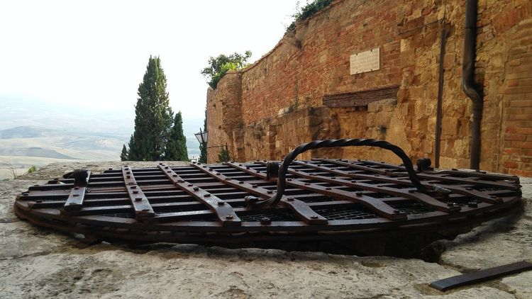 Grate Well  closed pit Pienza Italy History Architecture Old No People