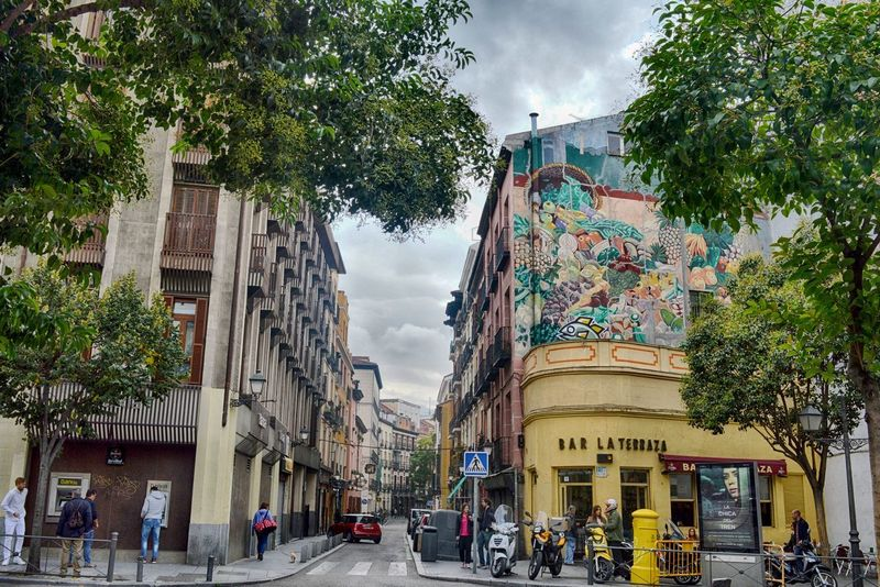 Madrid Architecture Building Exterior Built Structure City Cloud - Sky Day No People Outdoors Sky Street Street Art Streetphotography Tree Walking