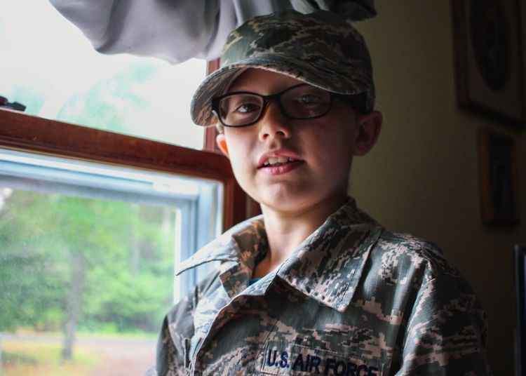 Soldier Kid Soldier Airforce Military Military Family Perspective Young Boy Boy Glasses Small Boy Window Light Future Determined