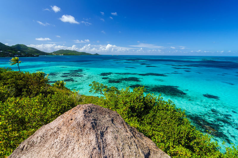 Idyllic shot of caribbean sea against sky seen from old providence