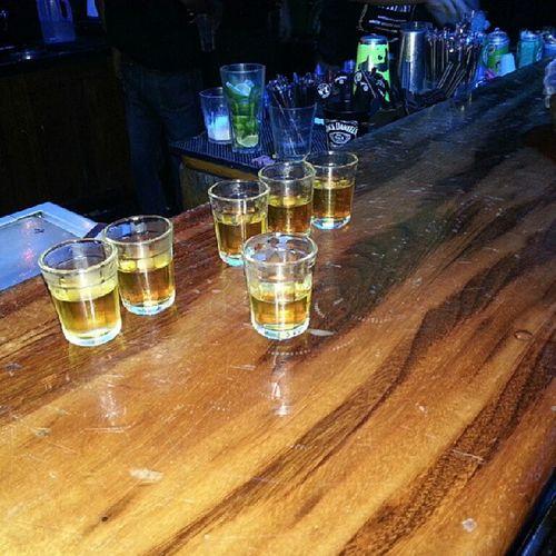 A festa do Mrjacksbirthday foi a melhor das melhores, ontem a noite foi regada por boas companhias bons acontecimentos e boas doses de Whisky ...