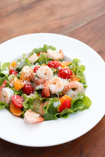 Sauce Seafood Shrimp Salad Roasted Plate Prawn SLICE Spinach Virgin  White Wooden Thai Tasty Starter Tasle Olive Oil Dish Eat Food Dinner Dill Cooked Delicious Fried Gourmet Lunch Meal Lettuce Healthy Green Grilled Arugula