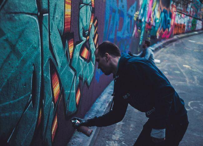 Gettin' up. Graffiti London Leake St Street Photography Urban