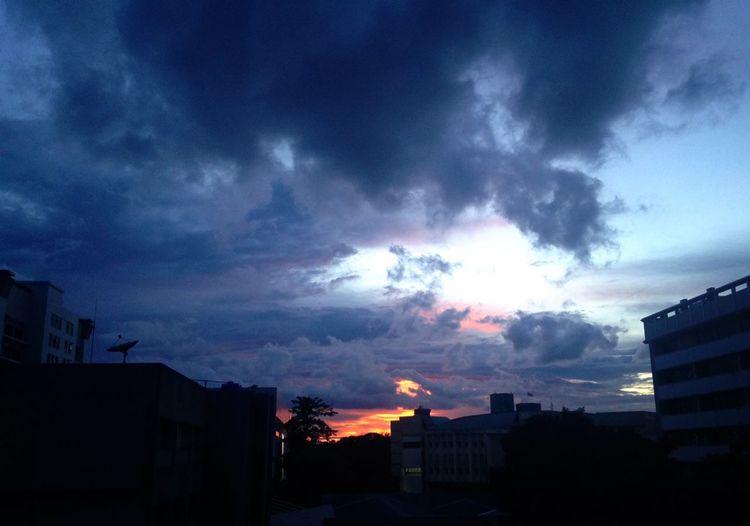 ที่เดิม รู้สึกไม่เหมือนเดิม Sunset Sky Collector1 Cloud KU BKK Thailand Lonely Miss Someone