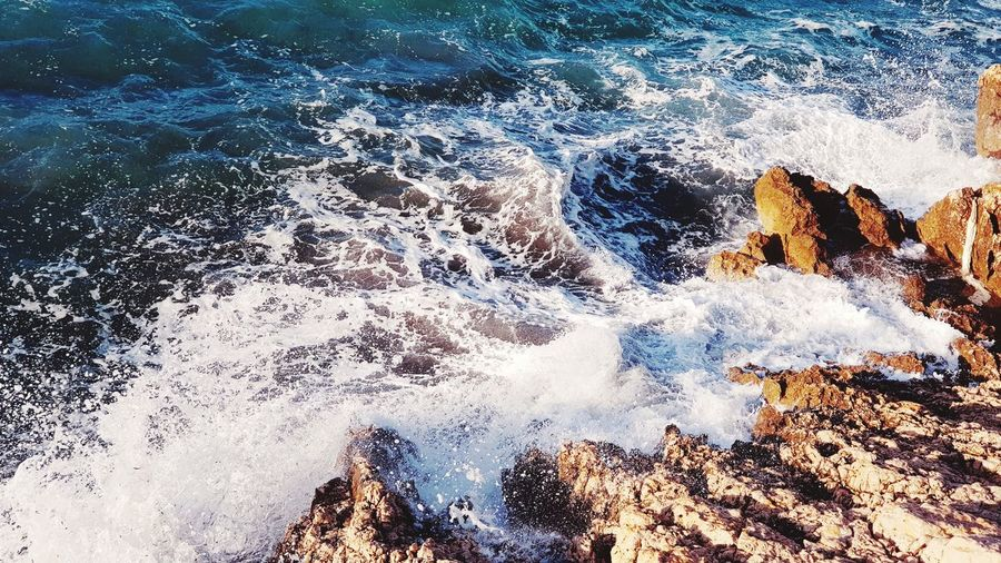 Vagues Sur Les Rochers Vagues Seascape Full Frame Backgrounds Water High Angle View Day No People Close-up Outdoors Sea Nature
