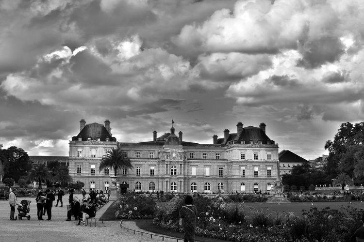 French Sénat, Jardin du Luxembourg Architecture Blackandwhite Building Exterior Built Structure Check This Out City Life Eye For Photography Eye4photography  EyeEm Best Shots EyeEm Best Shots - Black + White EyeEm Gallery EyeEmBestPics Eyeemphotography Façade Famous Place Hello World History In Front Of Large Group Of People Outdoors Sky Sénat Tourism Town Square Travel Destinations The Architect - 2017 EyeEm Awards BYOPaper!