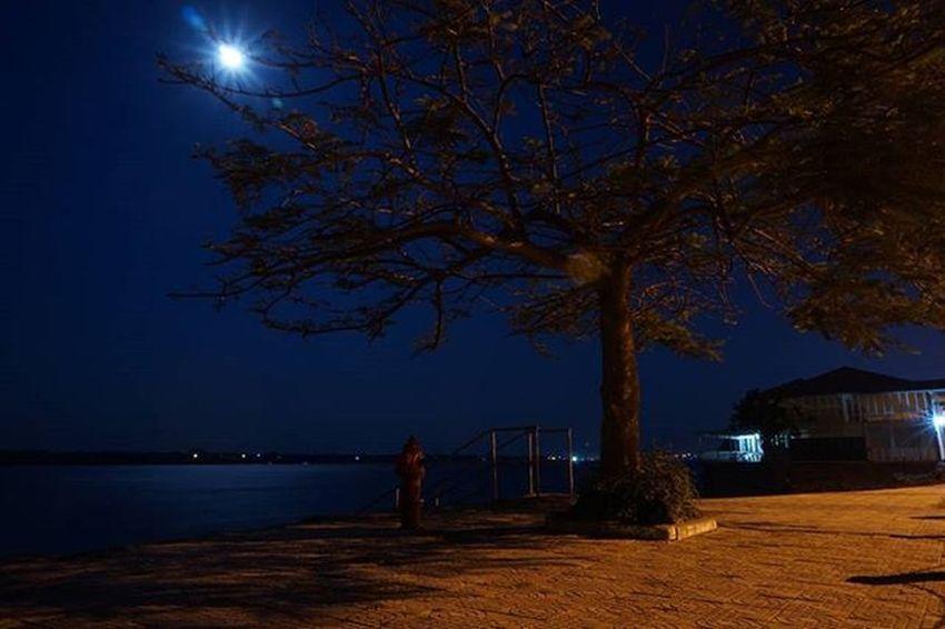 Moon lit full moon over the Mekong River. Sony A5000 Sonyalpha Sonyimages Onlysony SonyA5000 Sonycamera Sonyphotography Theappwhisperer Adventurevisuals GoodRadShot Fhotoroom PicHitMe EyeEm EyeEm_O MenchFeature Photography Pixelpanda Visitorg Aop_Lab Yourworldgallery SeeOurWorldNow Runningtheworld Natgeo Natgeotravel NatGeoYourShot Cambodia PhnomPenh @fhotoroom_ @sonyalpha @pichitme @goodradshot @street_hunters @pixel_panda_ @eyeem_o @photocrowd @photoadvices @worldphotoorg