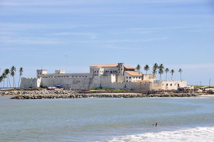 Elmina Castle Africa Architecture Built Structure Coastline Colonial Colonial Architecture Elmina Elmina Castle Ghana Slavery Slaves Travel Destinations Historical Building Historical Monuments Colonial Power Colonial Period The Past Colonialism Slave Slavery Feel The Journey