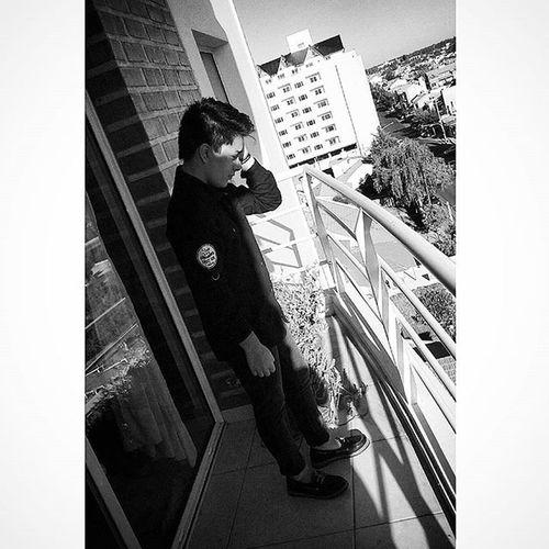 A shot in the dark 🎶 Photoshoot Backyard Photo Balcon Neuquen Selfie Shot Blackandwhite Swag Cool Lesbian Tomboy Androgynous Instadaily LOL Gay Lgbt